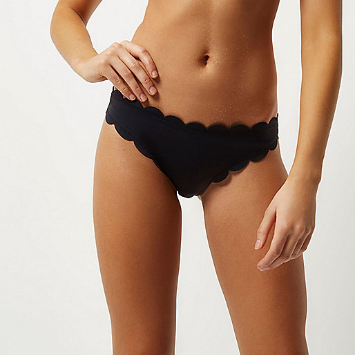 Black scalloped scuba bikini bottoms