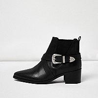 Schwarze Western-Stiefel mit Riemen