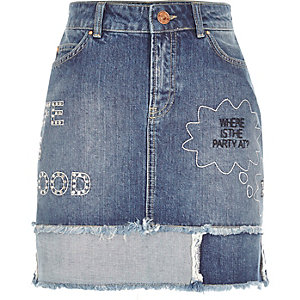 Mid wash slogan patch denim mini skirt