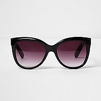 Lunettes de soleil oversize noires style glamour
