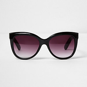 Black glam oversized sunglasses