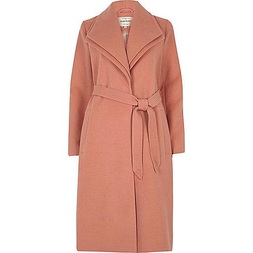 Manteau rose foncé à col double