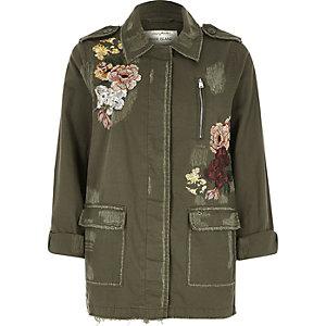 Veste kaki à fleurs brodées style militaire