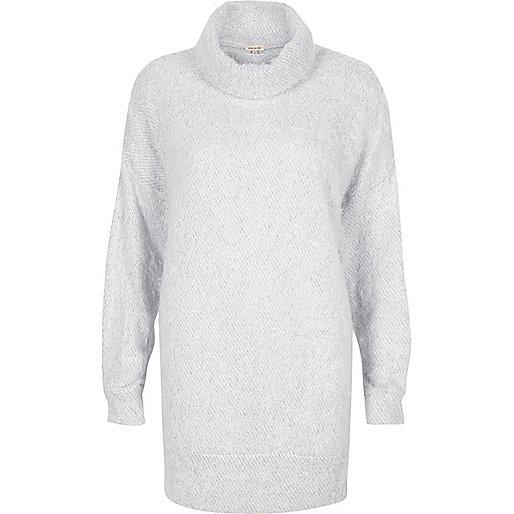 Hellgrauer, flauschiger Pullover mit Wasserfallkragen