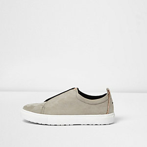 Grey wide fit slogan heel print plimsolls
