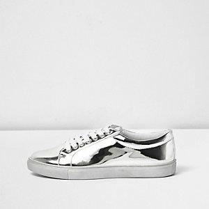 Sneaker in Silber-Metallic