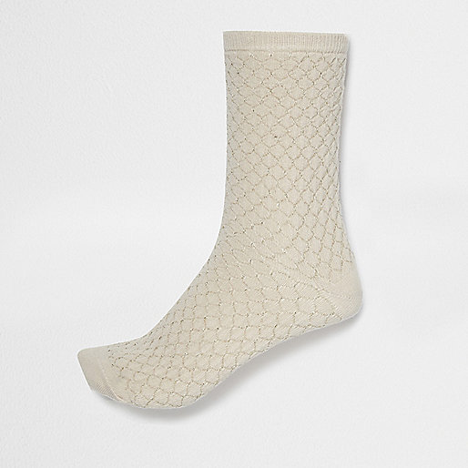 Cream pintuck socks