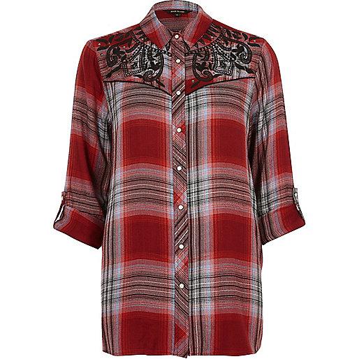 Chemise brodées à carreaux rouges style western