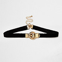 Black buckle choker
