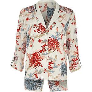 Weißes Pyjama-Hemd mit Blumenmuster und Rückenschlitz