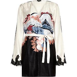 Kimono-Bademantel mit orientalischem Muster in Creme