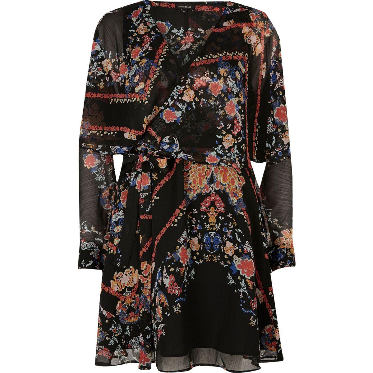 Robe portefeuille noire à fleurs smockée