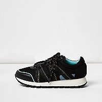 Black sports panel sneakers