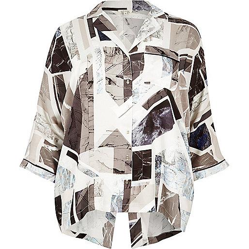 Plus – Schwarzes Hemd mit Geo-Muster