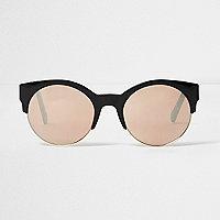 Schwarze Sonnenbrille mit roségoldenen Gläsern