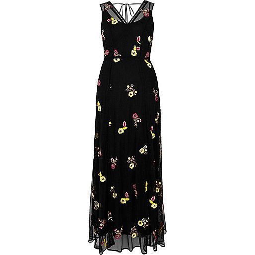 Robe longue noire à fleurs brodées