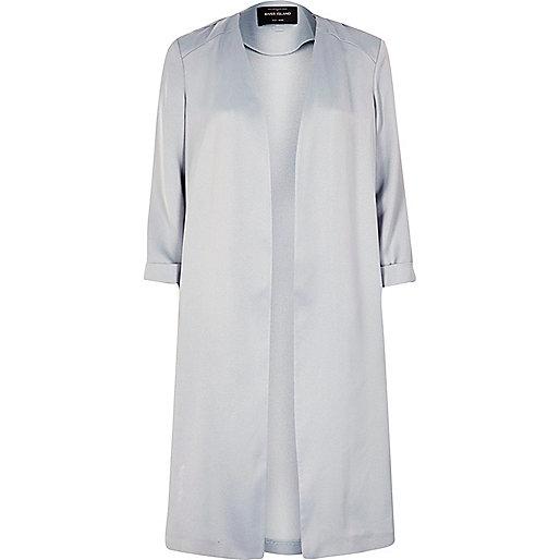 Manteau long en satin gris clair