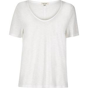 White scoop V-neck T-shirt
