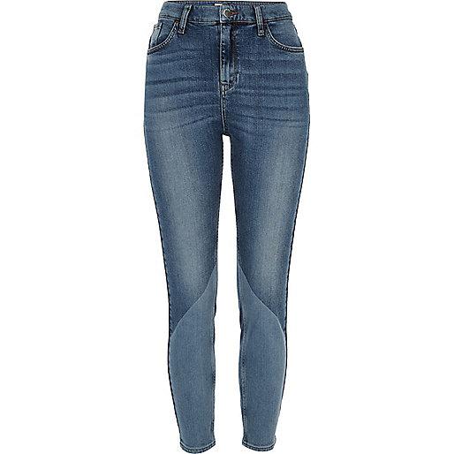 Lori – Mittelblaue Jeans im Bahnendesign