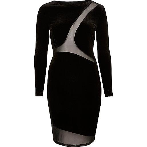 Robe moulante en velours noir avec empiècements en tulle
