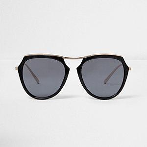 Black oversized smoke lens sunglasses