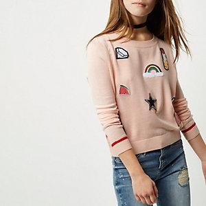 RI Petite - roze pullover met badges