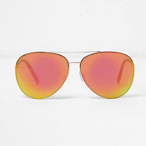 Lunettes de soleil aviateur dorées à verres en dégradé de rouge