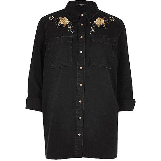 Chemise en jean noire style western avec fleurs brodées