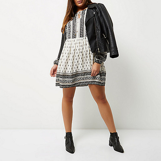 Plus white paisley print smock dress