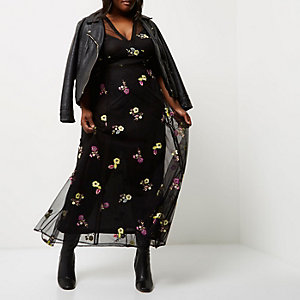 Plus – Schwarzes Maxikleid mit Blumenstickerei