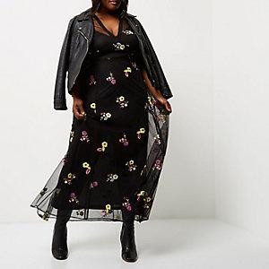 Robe longue Plus noire à fleurs brodées