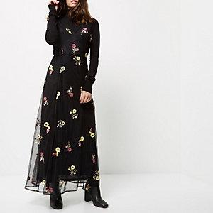 RI Petite - zwarte geborduurde maxi-jurk