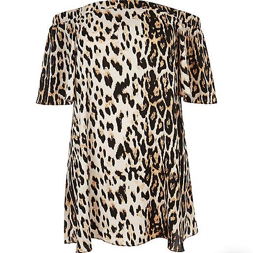 Plus – Braunes Bardot-Kleid mit Leoprint