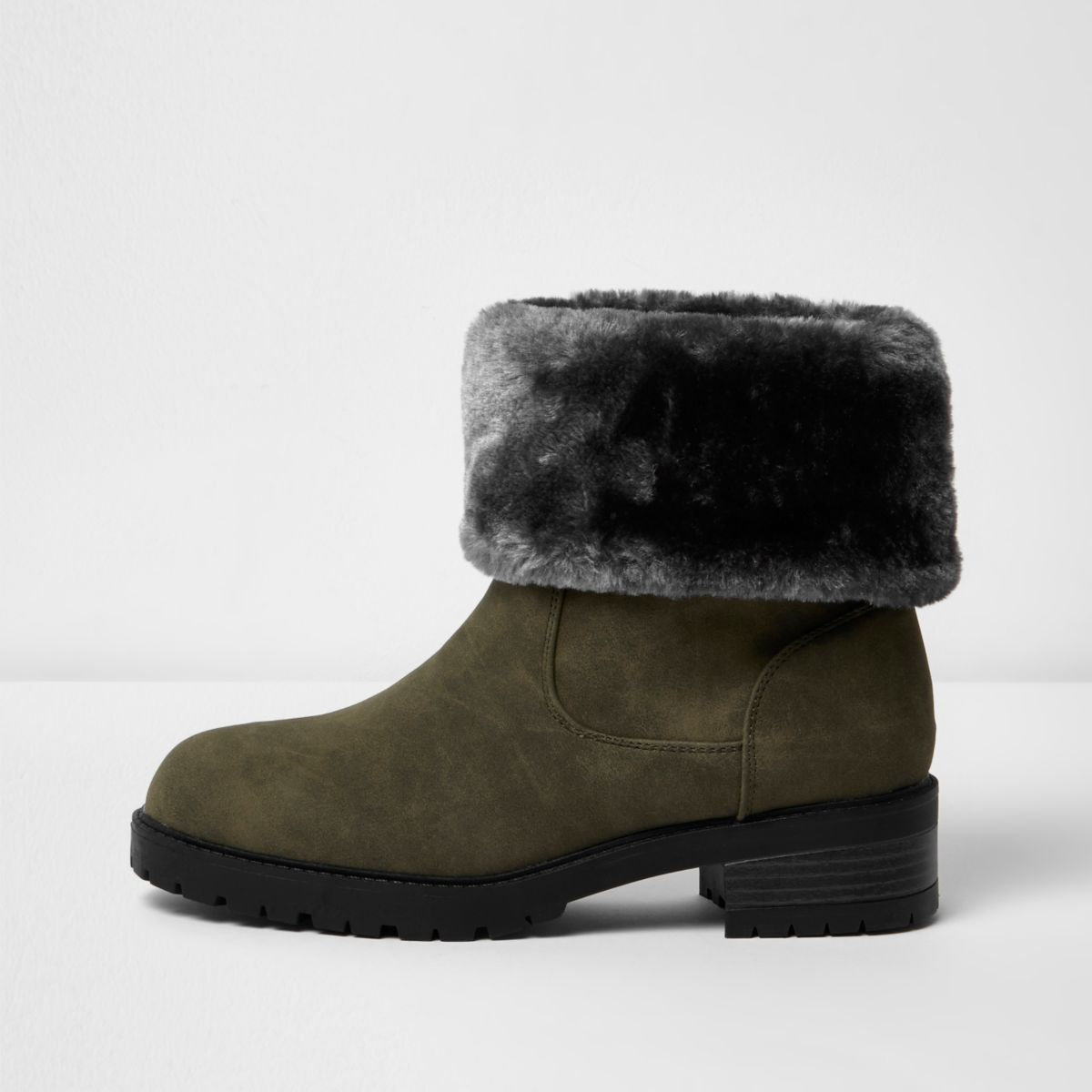 Khaki green faux fur lined chunky boots