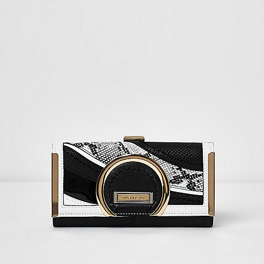 Monochrome snake print purse