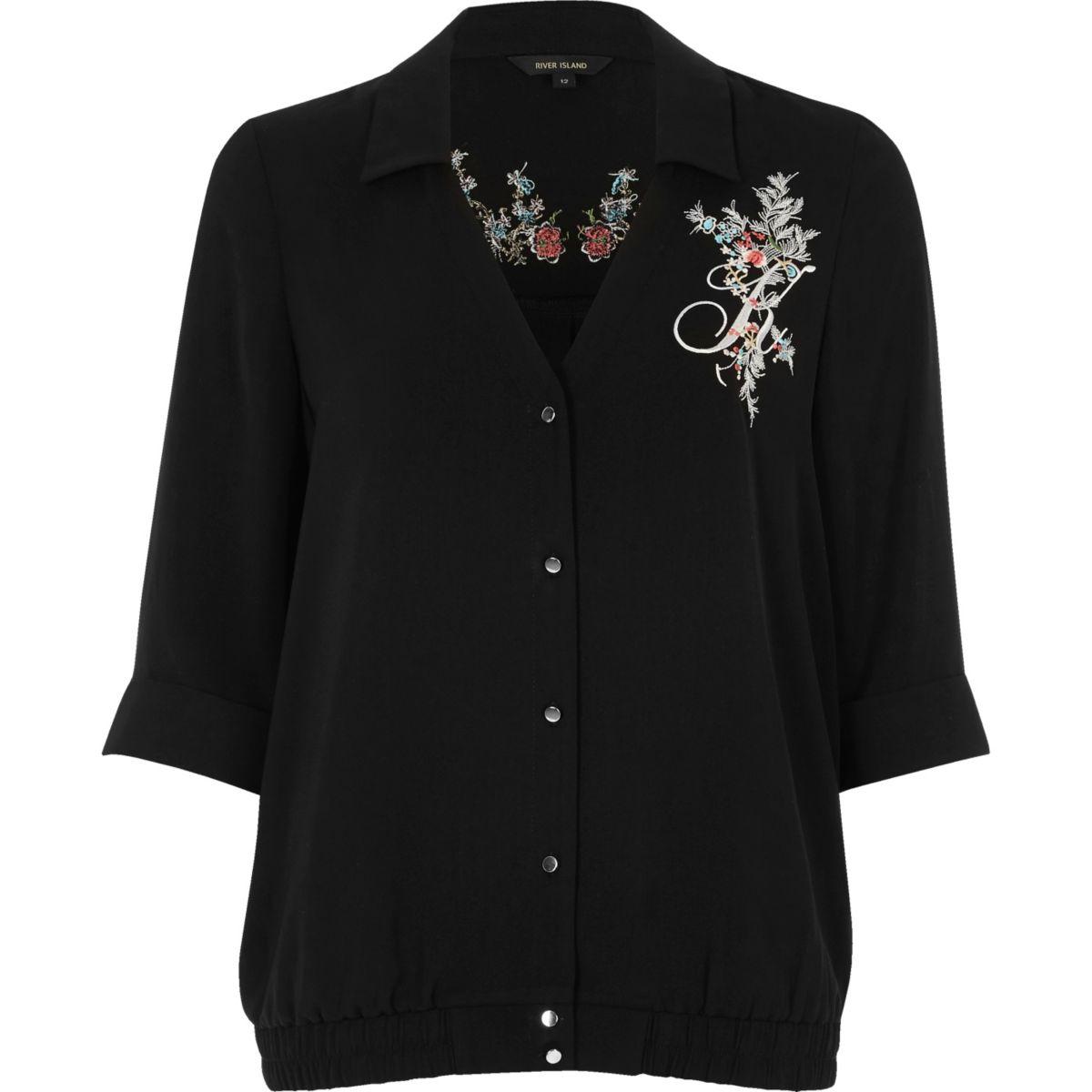Zwarte pyjamablouse met geborduurde bloemen