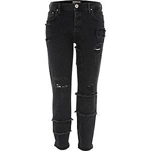 Black Ashley patch detail boyfriend jeans