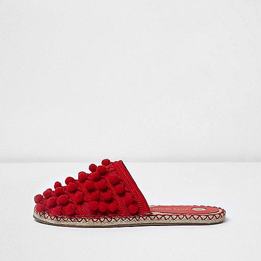 Sandales rouges à pompons
