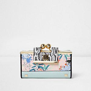 Roze-lichtblauwe portemonnee met bloemenprint en bolletjesknip