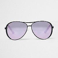 Pilotensonnenbrille in Schwarz und Helllila