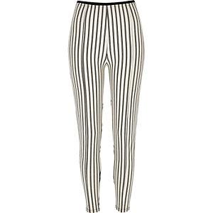 Crèmekleurige legging met hoge taille en strepen
