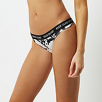 Black abstract print sporty thong