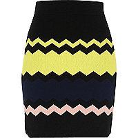 Zwarte rok met zigzagprint