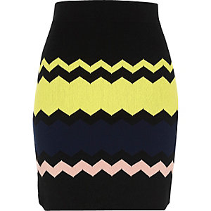 Black chevron print skirt