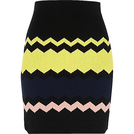 Black chevron print skirt