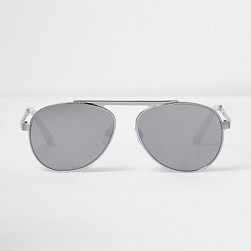 Silver mirror lens aviator sunglasses