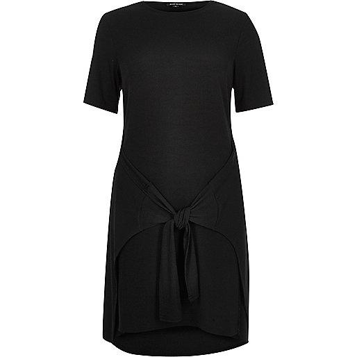Robe t-shirt noire nouée sur le devant