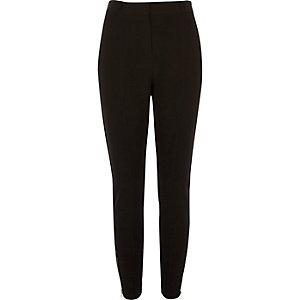 Zwarte zachte broek in smal model
