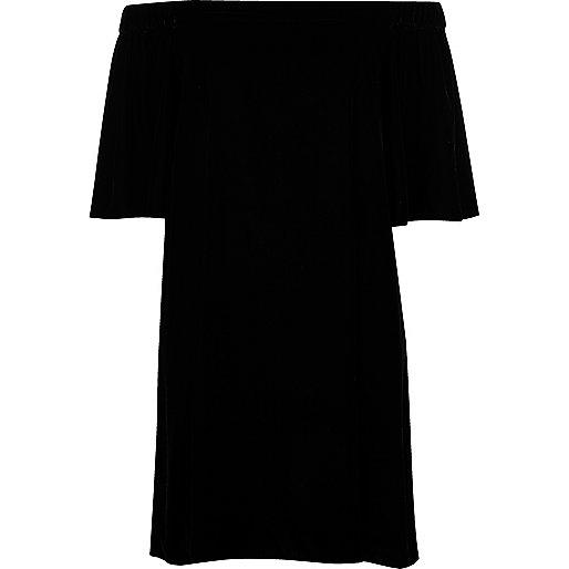 Robe trapèze en velours noir à encolure Bardot