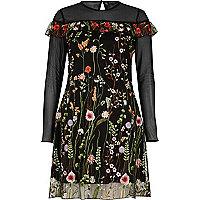 Schwarzes, besticktes Kleid mit Mesh-Einsatz